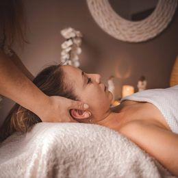 Massage de la tête, visage, Céline Humbert
